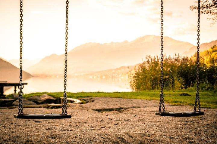 swing-1218654_960_720